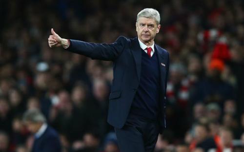 Arsenal cách ngôi đầu của Leicester hai điểm. Ảnh: CR.