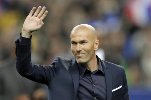 Zidane có thể sẽ sớm xuất hiện trên băng ghế chỉ đạo tại sân Bernabeu. Ảnh: Reuters