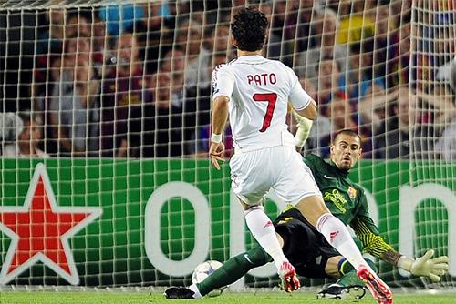 Ở tuổi đôi mươi, Pato đã là trụ cột gánh vác hàng công Milan và toả sáng ở các trận cầu lớn. Ảnh: AP.