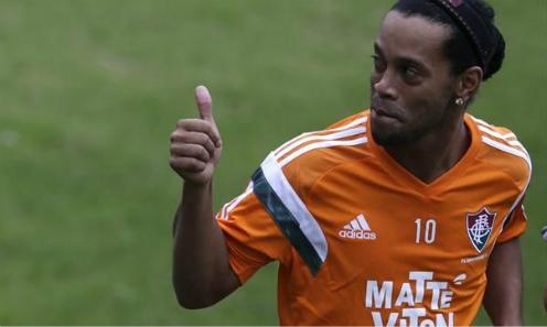 Ronaldinho-muon-thu-suc-tai-giai-ngoai-hang-anh