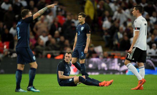 Cầu thủ M.U bị thương tuyệt đối không được lên tuyển