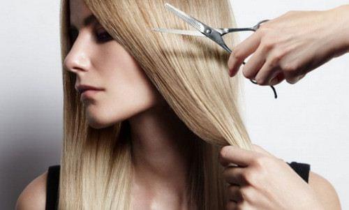 Mơ thấy cảnh cắt tóc điềm báo điều gì