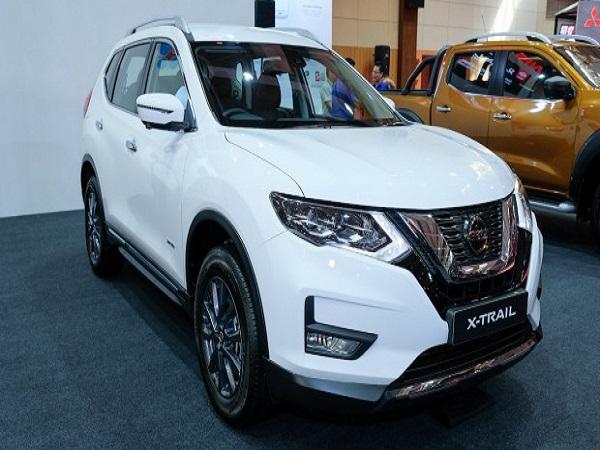 Nissan X-Trail có giá 941 triệu - 1,023 tỷ đồng