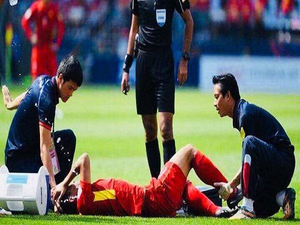 Cách sơ cứu khi bị chấn thương lúc thi đấu bạn nên biết